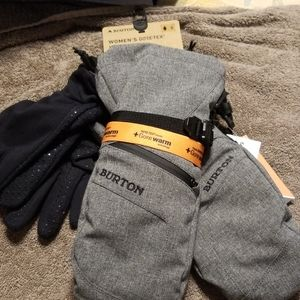 Burton Accessories - Women gloves sm you get  Mittens and gloves with t